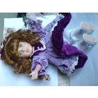 Колекционная кукла с фарфоровой головой и музыкой внутри  распродажа