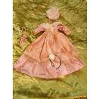 Нарядное платье на куклу . Длина платья 30 см.