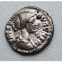 Рим, Криспина-жена Коммода, 180-182  2-1-44