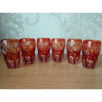 Красивый набор стаканов, красное резное стекло. 6шт.