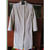 Пальто деми бежевое шерстяное, р-р 44