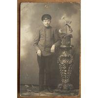 Фото мужчины с тростью. 1920? 9х14 см