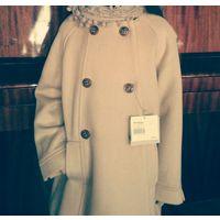 Новое стильное пальто для девочки.