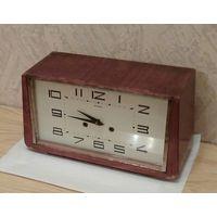 Часы каминные Янтарь с боем СССР экспорт