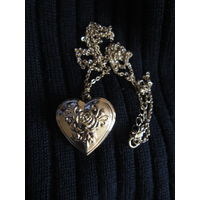 Кулон . Медальон для фото . Сердце
