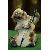 Статуэтка фарфоровая Медведь с контрабасом  ЛФЗ  ( Квартет )   целая