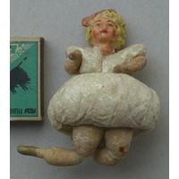 Ёлочная игрушка из папье - маше. Балерина.