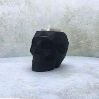 Подсвечник полигональный череп ручной работы