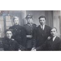 Фото Польского солдата с семьёй.Фотограф J.BONDER Wysokie-Litewskie.1928год