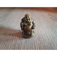 Маленькая фигурка Будды