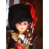 Кукла гвардеец шотландский 80-е гг