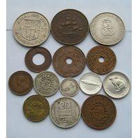 Красивый лот с Серебром (Гoлланд. Антилы 1/10 Гульд. 1957 и Канада 10 Цент. 1967)из 14 разных монет из  Колоний и владений