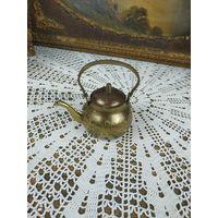 Красивый Коллекционный Чайник миниатюра латунь штихлевка