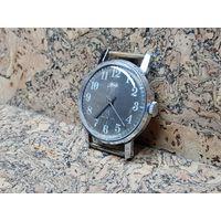 Часы Зим,гильошированный циферблат,нечастые.Старт с рубля .