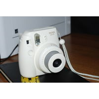 Fujifilm Instax Mini 8 (белый)