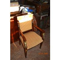 Стулья и кресло