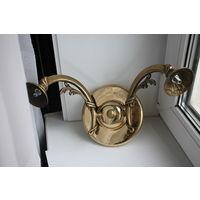 Настенный двухрожковый светильник, бра Латунь/бронза