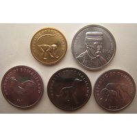 Сомалиленд 5-10-20 шиллингов 2002 г., 5 шиллингов 2005 г. Цена за 5 штук.