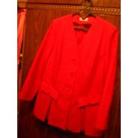 Красивый фирменный костюм\пиджак и юбка\ красного цвета. Юбка на подкладке.