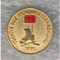 Официальный значок федерации хоккея Турции