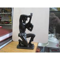 Клоун с балалайкой, 11 см. Касли, 1979 г.
