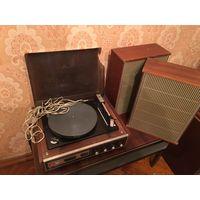 Проигрыватель СССР Акорд AKORDS звукосниматель с колонками в рабочем состоянии