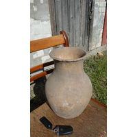 Горшок глиняный старый большой