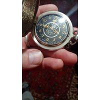"""Часы карманные на цепочке """"Молния"""", Россия, 2001 год. 15 камней. рабочие. новые."""