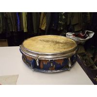 Старый сольный барабан.