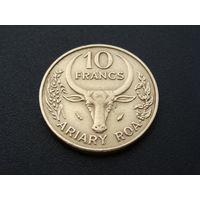 Мадагаскар. 10 франков 1982 год  КМ#11