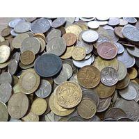 Более 5 кг. монет мира (есть СССР).