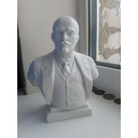 Бюст Ленин. Бисквит