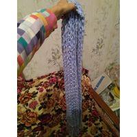 Голубой шарф крупной вязки