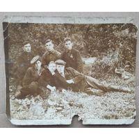 Фото довоенной молодежи. Знаки ОСОАВИАХИМа. 1939 г. 9х11 см.