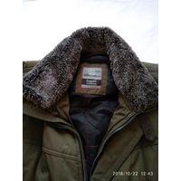 Мужская зимняя куртка с отстегивающимся меховым воротником.Немецкая фирма bugatti.Размер 68.