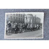 Фото Брест 1950 год демонстрация