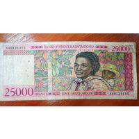 Банкнота Мадагаскар 25000 Франков