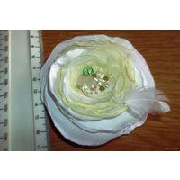 Брошь цветок (нежно-салатовый оттенок)
