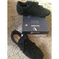 Фирменные стильные кроссовки GEOX на 40 размер из натуральной замши. Приобретены в фирменном магазине GEOX. Обувь GEOX покорит Вас своим комфортом, удобством и высоким качеством. Носила совсем мало.