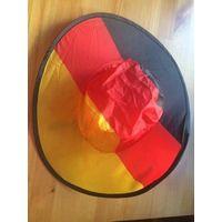 Шляпа маскарадная, складывается в компактный чехол. Диаметр 39 см, на резинке.