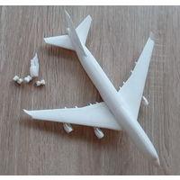 Пластиковая модель Боинг-747-400 (лом,на восстановление)