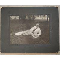Фото молодого мужчины. До 1917 г. 14x17 см. На паспату.