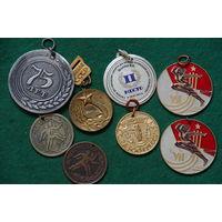 Медали спортивные 8 шт .