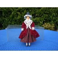 Кукла в национальном костюме.  20 см.