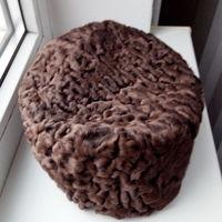 Берет- шапка. Каракуль натуральный. 57 размер ( новое с дефектом)