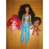 Три красивые куклы