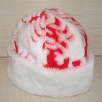 Шапка Деда Мороза - меховая с подкладкой. Отличное качество. Новая в упаковке!