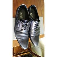 Туфли кожаные 40 размер Fred Farman