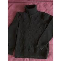Теплый свитер-гольф на младшего школьника