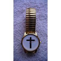 Часы наручные кварцевые, c крестом. браслет металлический под золото. распродажа
